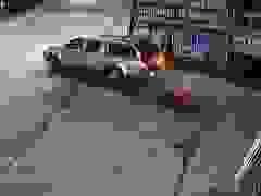 Tình huống va chạm với xe từ trong ngõ đi ra gây tranh cãi đúng sai