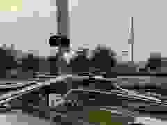 Siêu bão Zeta càn quét Mỹ: Nhà cửa bị thổi tung, xe tải đổ la liệt