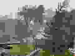 """Philippines tiếp tục """"oằn mình"""" hứng bão Vamco"""