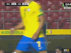 "Vắng Neymar, Brazil toát mồ hôi hột trước ""tí hon"""