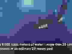 Choáng với bể bơi sâu gần 50 m sâu nhất thế giới chứa cả hang động