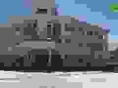 Công nhân trở lại thi công tại trường nghề 60 tỷ đồng bị bỏ hoang