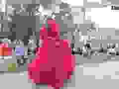 Hoàng Thùy, Thúy Ngân trình diễn thời trang… giữa rừng thông