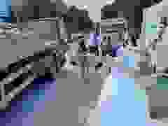 """Cô gái súyt trả giá đắt vì trò """"tung bông cô dâu"""" giữa đường"""