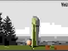 """Bức tượng gỗ mô phỏng hình """"của quý"""" khổng lồ bỗng mất tích bí ẩn"""