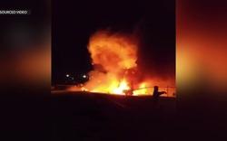 Máy bay y tế bốc cháy như cầu lửa, 8 người chết