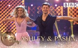 Ashley Roberts & Pasha Kovalev nhảy điệu Salsa