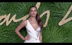 Irina Shayk quyến rũ trên thảm đỏ