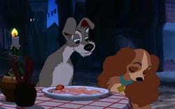 """1. """"Lady and the Tramp"""" (1955): Hai chú chó ăn mì spaghetti"""