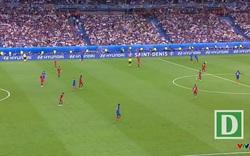 Pháp - Bồ Đào Nha: Phút 95, Moutinho đá phạt thông minh để Pepe bay người đánh đầu đưa bóng đi sạt cột dọc