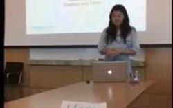 Nữ sinh bất ngờ trút quần áo, diện nội y khi thuyết trình luận văn