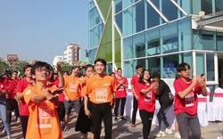 Hoa hậu Trần Tiểu Vy cùng 1000 bạn trẻ Đà Nẵng nhảy vì sự tử tế