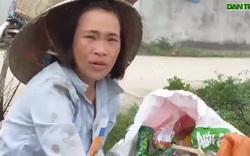 Xót xa cảnh người vợ nhặt ve chai nuôi chồng  con bại liệt.