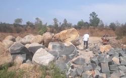 Cận cảnh hiện trường đá tặc khai thác trái phép
