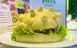 Bánh Hamburger mang hình virus corona cháy hàng