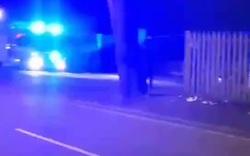 Một trạm phát sóng mạng di động tại thành phố Birmingham bị đốt phá