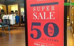 Hàng loạt cửa hàng giảm giá sốc, vẫn không tránh khỏi cảnh đìu hiu