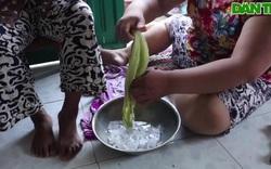 Cháu gái hiếu thảo tận tình chăm sóc sức khỏe cho bà nội mỗi khi lên cơn đa