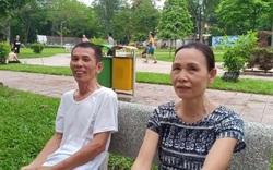 Người dân phản đối việc sơn tượng loè loẹt ở Công viên Thống Nhất.