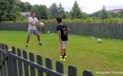 C.Ronaldo tập luyện cùng con trai chờ Serie A thi đấu trở lại