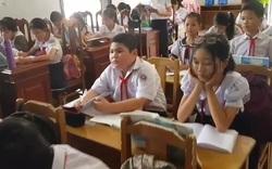Hàng chục học sinh học trong nhà văn hóa thôn vì thiếu phòng học