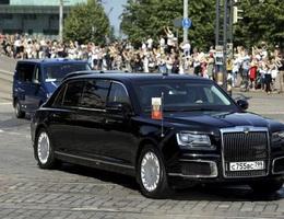 Video hé lộ quy trình ra đời chiếc xe của Tổng thống Putin
