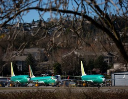 Hai máy bay Boeing 737 MAX gặp nạn thiếu thiết bị cảnh báo an toàn