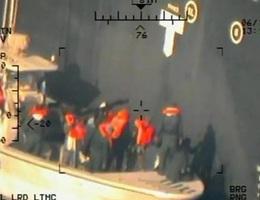 Mỹ thu được mảnh vỡ nghi giống thủy lôi Iran trên tàu dầu bị tấn công
