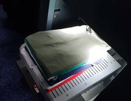 Trải nghiệm máy gấp quần áo đầu tiên trên thế giới, giá 1.000 USD