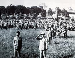 Lễ  chào cờ đặc biệt trong ngày giải phóng Thủ đô