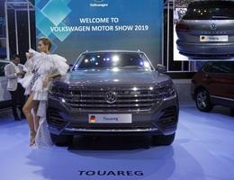 """Xe Volkswagen Touareg có hình ảnh bản đồ """"đường lưỡi bò"""" xuất hiện tại Triển lãm Ôtô Việt Nam 2019"""