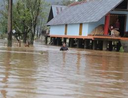 Mưa ngập nặng nề, hàng trăm hộ dân phải sơ tán