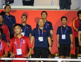 HLV Park Hang Seo đi cổ vũ tuyển nữ Việt Nam thi đấu chung kết với Thái Lan