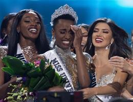 Những hình ảnh đầy cảm xúc của chung kết Hoa hậu Hoàn vũ 2019