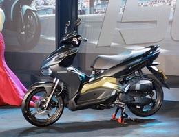 Honda tung AirBlade 150 cạnh tranh cùng Yamaha NVX 155