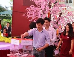 Thầy trò chung tay giúp học sinh nghèo đón Tết