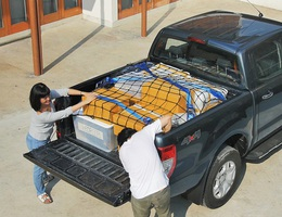 Cách xếp đồ đạc, hành lí gọn gàng và an toàn trên thùng xe bán tải