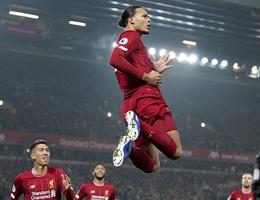 Van Dijk, Salah lập công giúp Liverpool nhấn chìm Man Utd