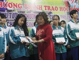 Trao 150 suất học bổng Phó Thủ tướng tặng học sinh, sinh viên nghèo nhân dịp Tết