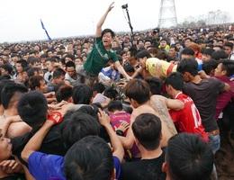 Lễ hội phết Hiền Quan bị đề nghị dừng đánh phết, kiểm soát dịch virus Corona