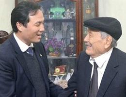 Niềm vui đầu xuân của cụ ông 102 tuổi đời, 75 năm tuổi Đảng