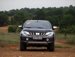 """Mitsubishi Việt Nam tiếp tục """"mở hàng"""", triệu hồi Triton và Outlander Sport"""