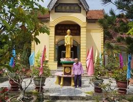 Cụ già 85 tuổi sưu tầm hơn 100 tư liệu quý, làm bảo tàng về Bác Hồ