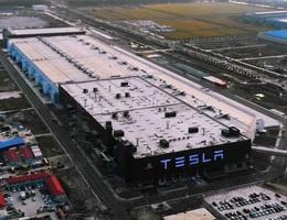 Bất chấp dịch corona, hãng xe Tesla tái khởi động sản xuất ở Thượng Hải