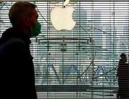 Mở lại nhà máy, Apple vẫn lo không bán được iPhone