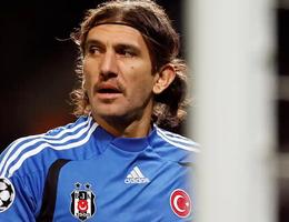 Cựu thủ môn Barca nguy kịch sau khi nhiễm Covid-19