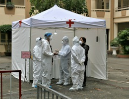 Khẩn cấp tìm 4 người điều trị ngoại trú tại Bệnh viện Bạch Mai