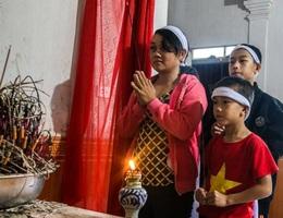 Người cha nghèo tử vong khi đi bắt cua bỏ lại vợ bệnh tật và 3 đứa con thơ