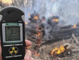 Phóng xạ bất ngờ tăng 16 lần sau vụ cháy rừng gần Chernobyl