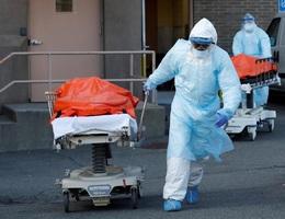 Mỹ ghi nhận kỷ lục gần 2.000 người chết vì Covid-19 trong 24h